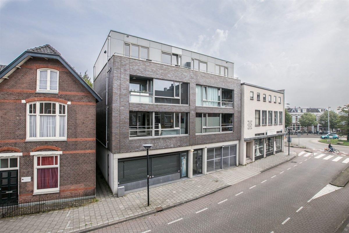 Door Ooms architecten ontworpen appartement te koop